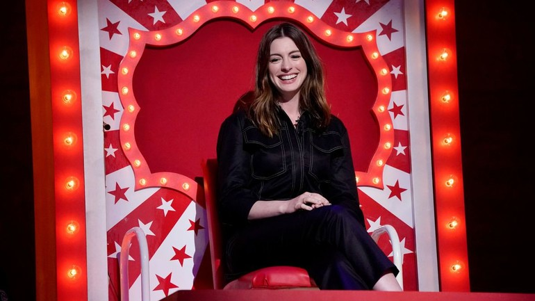 Anne Hathaway gets dunked for Red Nose Day